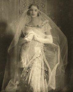 messynessy chic 1921