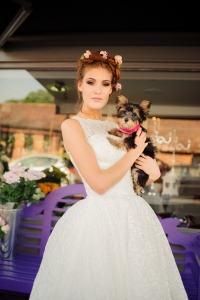 Betty Blossom wedding dress, £395 available exclusively at kittyandulcie.com Hair accessory floandpercy.com 00153