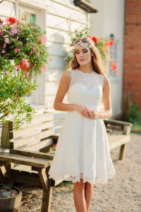 Summer Rose wedding dress, £345 available exclusively at kittyanddulcie.com Hair accessory from floandpercy.com 00249