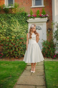 Sweet Audrey wedding dress, £350 available exclusively at kittyanddulcie.com Hair accessory from floandpercy.com 00192