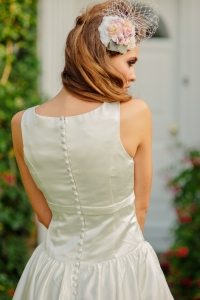 Sweet Audrey wedding dress, £350 available exclusively at kittyanddulcie.com Hair accessory from floandpercy.com  00217