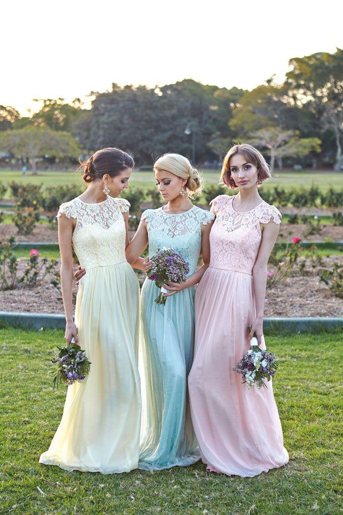 Платье на свадьбу подруги летом